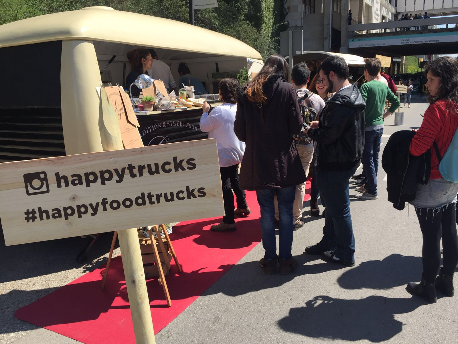#HappyUAB-happyfoodtrucks
